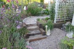 34) Woodland Gardens